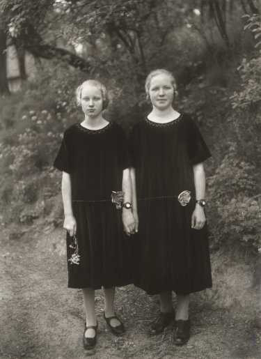 August Sander_Country Girls_1925